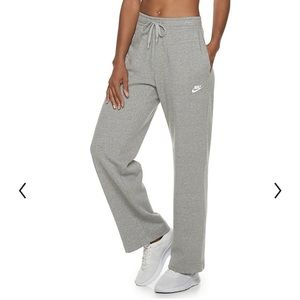 Women's small Nike sweatpants